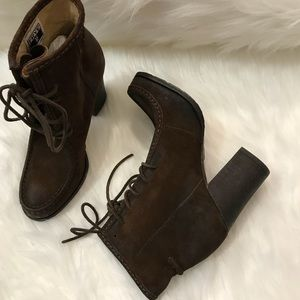 Frye Shoes - Frye Lace Up Distressed Parker Moc Short Boot NWT